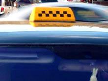 Парламентарии предлагают ввести патентную систему для таксистов в РФ