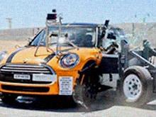 Mini Cooper Hardtop провалил краш-тест и подлежит отзыву