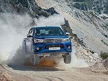 В России стартуют продажи нового пикапа Toyota