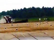 Зрители армейского состязания в Подмосковье выложили ВИДЕО с кувыркающимся после неловкого дрифта танком