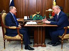 Самарский губернатор рассказал Путину о планах пересадить 85% чиновников региона на машины Lada